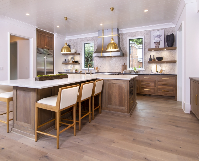 Quarter sawn white oak kitchen with long kitchen island and seating